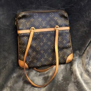 Luis Vuitton Shoulder bag monogram